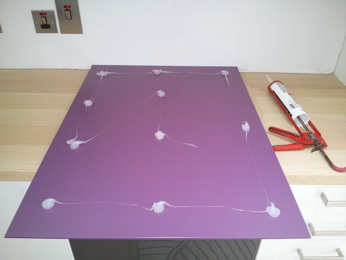 How Do You Fit Acrylic Splashbacks?
