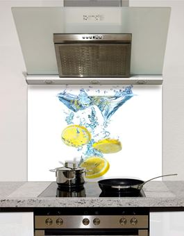 Picture of Sliced lemons in water splashback