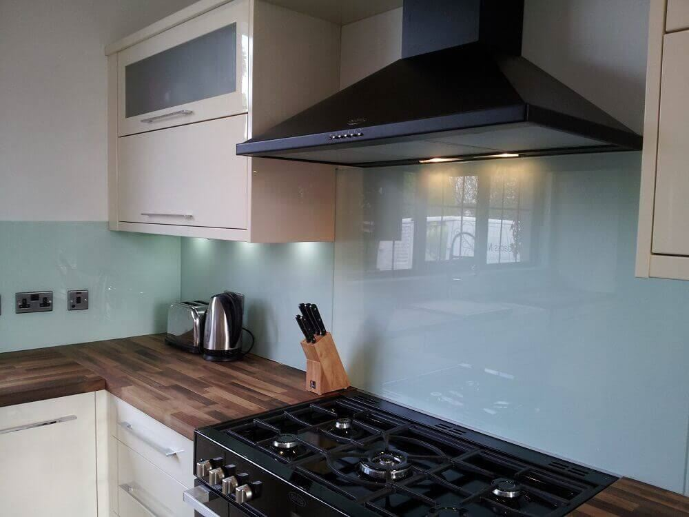 Made to Measure Coloured Acrylic Splashbacks.