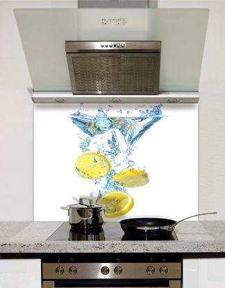 Picture of Sliced lemons in water splashback