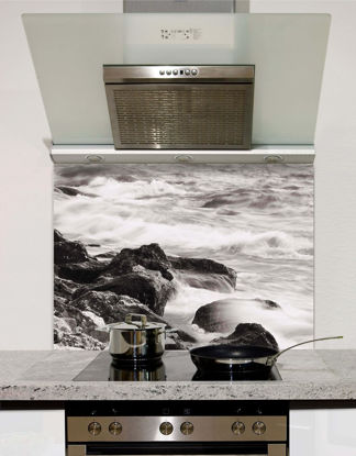 Picture of Waves against rocks Splashback